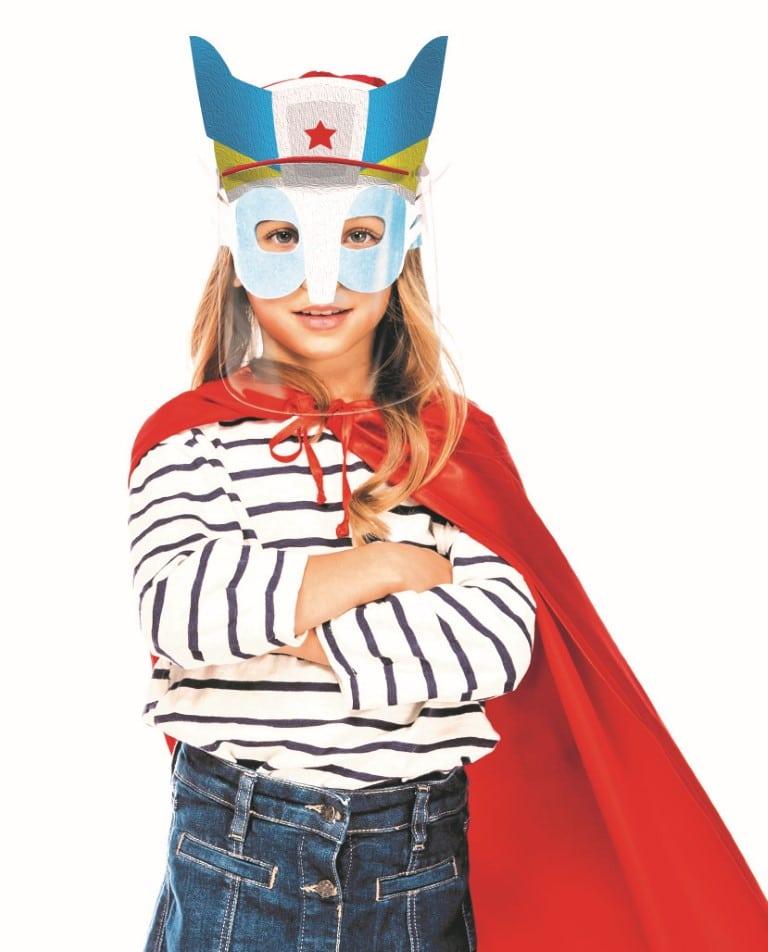 Kind mit CapMask als Superheld