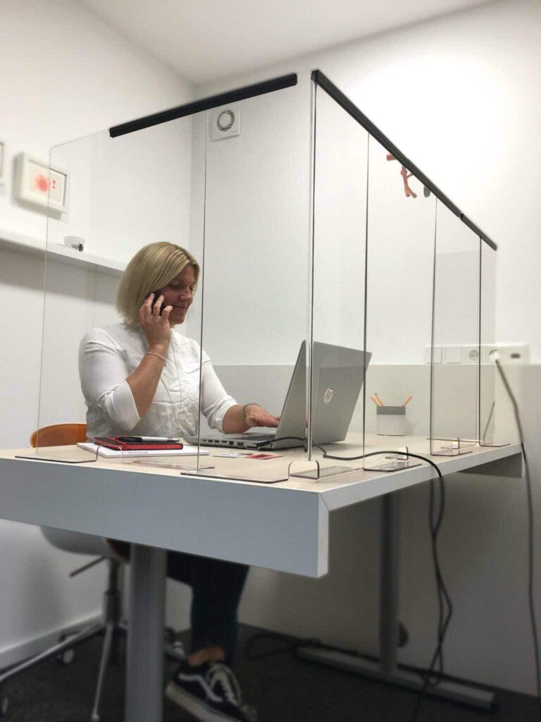 Spuckschutz im Büro